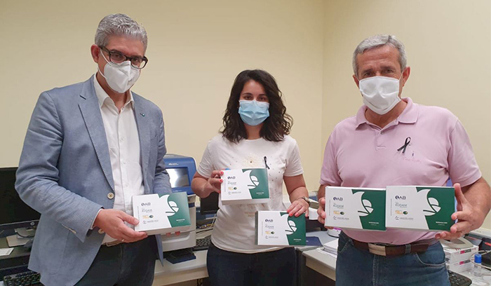 Laboratorio KUDAM dona al Ayuntamiento de Pilar de la Horadada sus nuevos kits para la detección de coronavirus en superficie